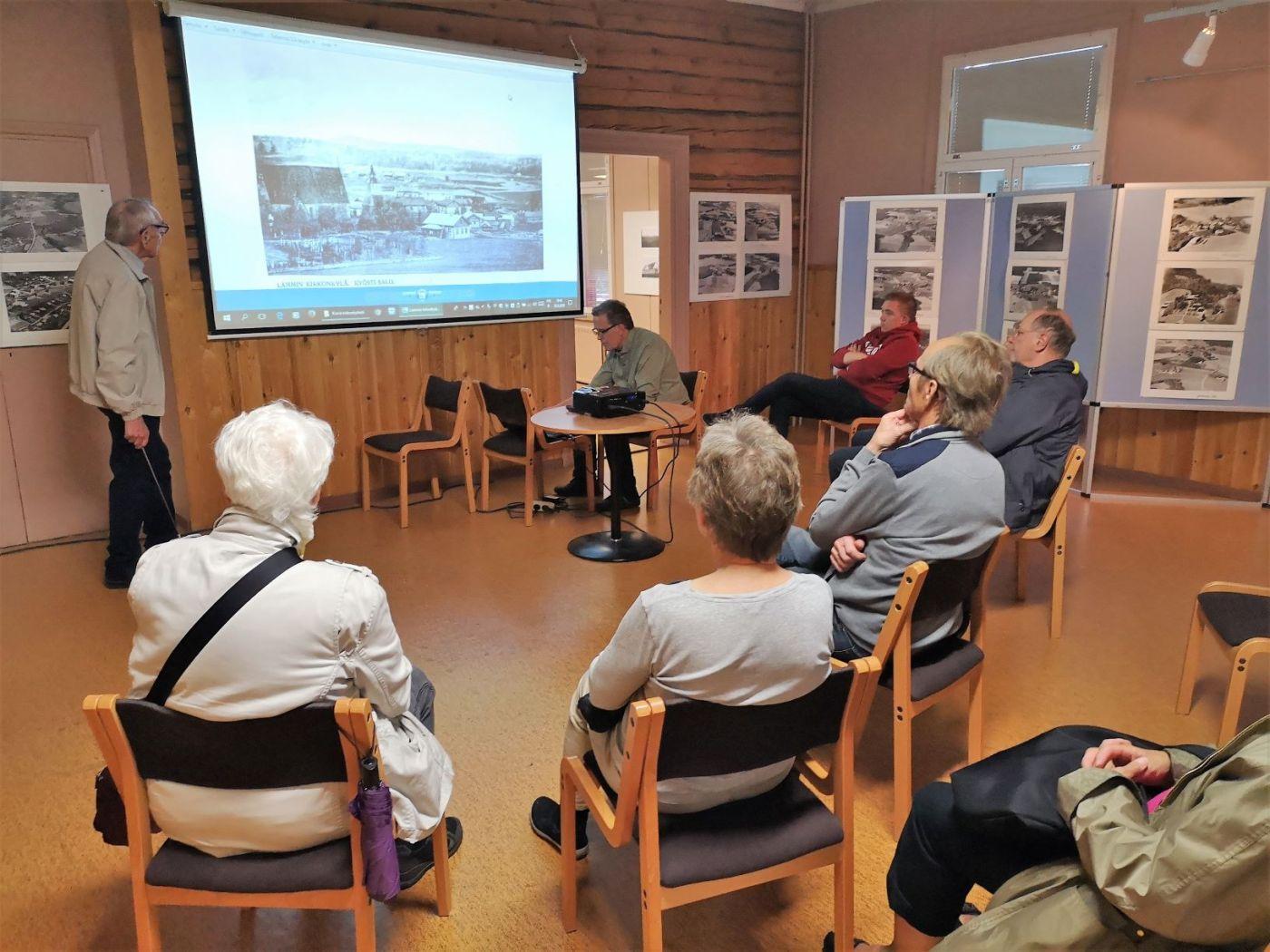 Jaakko Rautavirta kertoo vanhoista Lammi-valokuvista.
