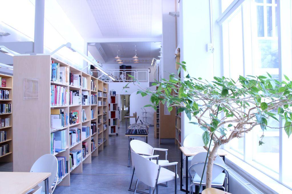 Lammin kirjasto on suljettu koronaviruksen vuoksi 13.4. saakka.